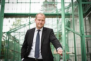 """""""Erholung ist nichts, was der Staat sicherzustellen hat"""", betont der Rechtswissenschafter Christoph Bezemek. Foto: Uni Graz/Tzivanopoulos"""