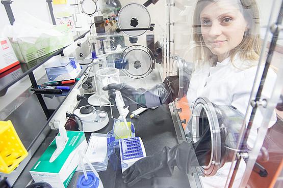 Martina Schweiger im Labor