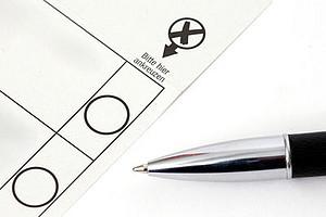 """Ob ein Kreuzerl auf dem Stimmzettel ausreicht, um die tatsächlichen Wünsche der WählerInnen an die Politik zu kommunizieren, soll ein neues Forschungsprojekt klären. Foto: Tim Reckmann/<a href=""""http://www.pixelio.de"""">pixelio.de</a>"""