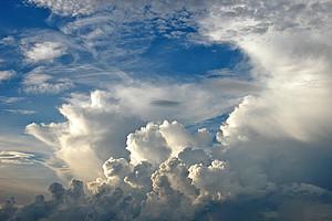 Luftschichtungen und Wetterphänomene verändern sich durch den Klimawandel. Die Temperaturtrends in der Atmosphäre haben ForscherInnen der Uni Graz untersucht. Foto: Pixabay