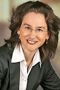 Assoz. Prof. Mag.iur. Dr.iur. Yvonne Karimi-Schmidt