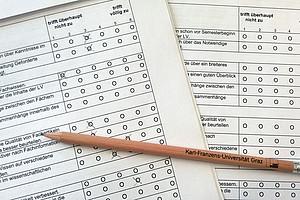 Überarbeitung des Fragebogens zur studentischen Evaluierung von Lehrveranstaltungen. Foto: Uni Graz/Scheer