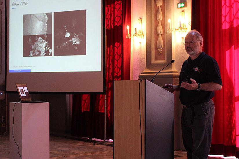 Günter Karl vom Institut für Weltraumforschung präsentierte Highlights der Rosetta-Mission.