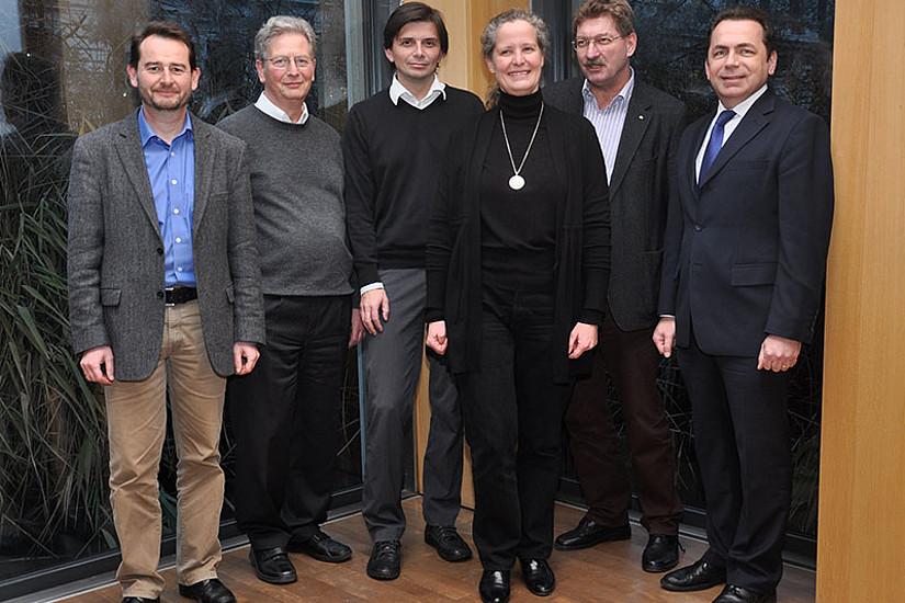 V.l.: Georg Tafner, Jürgen van Buer, Christoph Hinterreitner, Michaela Stock, Vizerektor Peter Scherrer, Dekan Thomas Foscht
