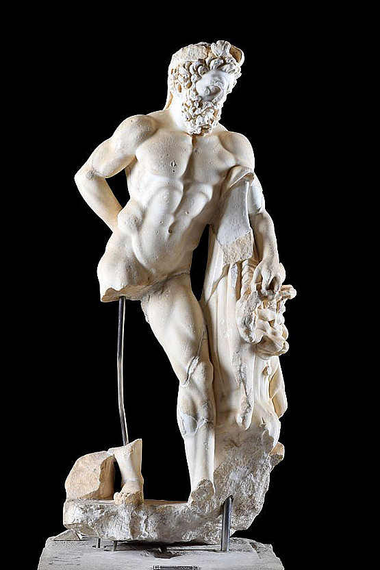 Herakles, Typus Farnese. Museum Side, Inv. 89, Fundort Säulenstraße. © Alice Landskron, Foto: Gordian Landskron