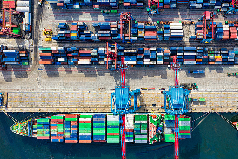 Wenn globale Lieferketten zusammenbrechen, spüren wir die Auswirkungen schnell. Glokalisierung könnte uns dabei helfen, neue Wirtschaftskonzepte für die Zukunft zu entwerfen. Foto: Tom Fisk/pexels.com
