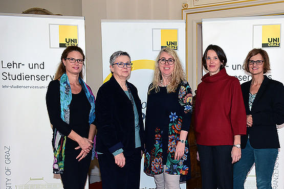 Karoline Spelsberg-Papazoglou, Renate Dworczak, Cathrine Walter-Laager, Gudrun Salmhofer, Martina Gaisch, FH Oberösterreich (v.l.). Foto: Uni Graz/Pichler