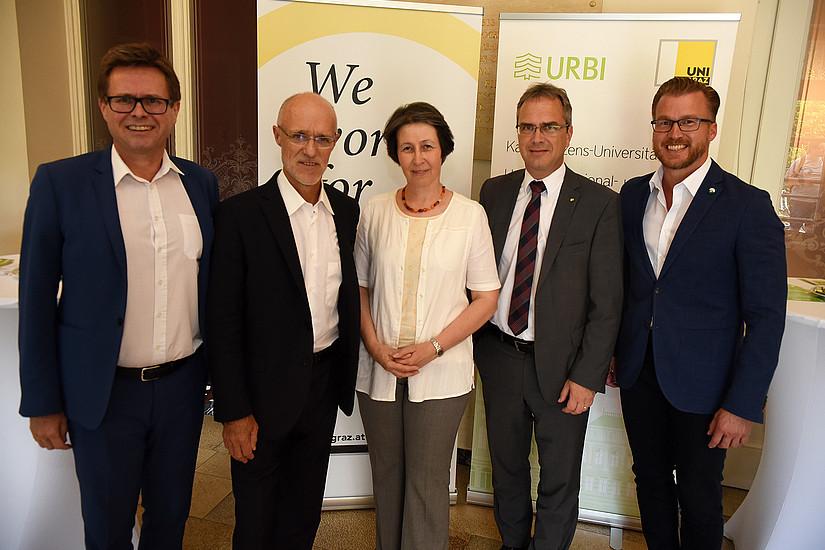 Tag der URBI: Martin Polaschek, Antom Innauer, Dekanin Gasteiger-Klicpera, Peter Riedler und Landtagsebgeordneter Oliver Wieser (v.l.) Foto: Uni Graz/Tzivanopoulos