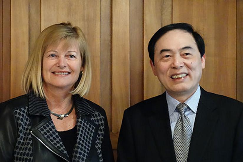 Rektorin Neuper begrüßte Rektor Chen schon am Vormittag. Foto: Pendl.