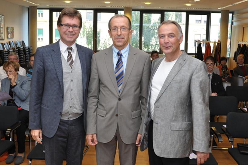 Vizerektor Martin Polaschek, Univ.-Prof. Dr. Rudolf Höfer und Dekan Hans-Ferdinand Angel bei der Tagunseröffnung.