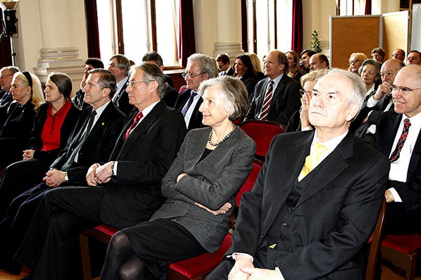 Urs Altermatt, Waltraud Schinko-Neuroth, Helga Kromp-Kolb, Gunther Tich, Werner Tessmar-Pfohl, Irmgard Griss und Gerhart Wielinger (v.l.)