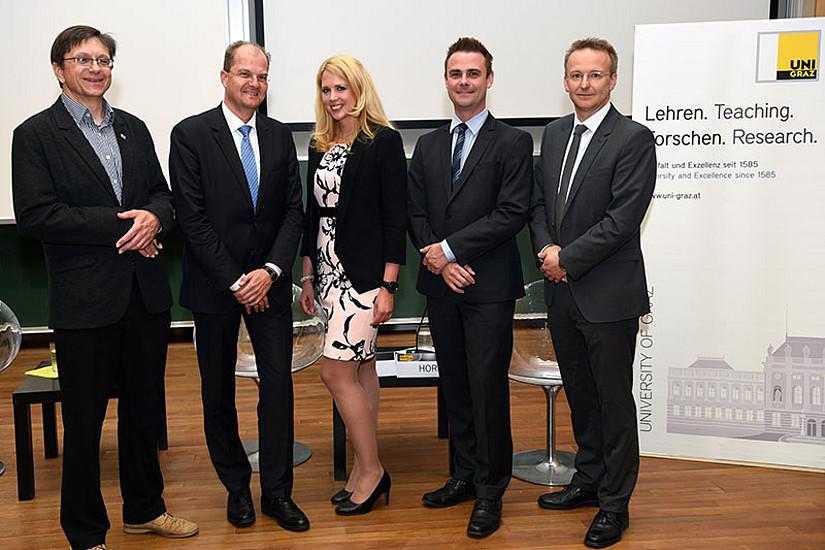 Michael Suda, Clemens Thiele, Nadine Probst, Bernhard Horn und Christian Bergauer (v.l.) bei den Grazer Datenschutzgesprächen. Foto: Uni Graz/Pichler