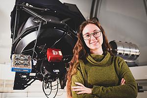 Die Physik-Studentin Victoria Kutnohorsky ist Teil eines Teams, das Mitte Oktober im ESA-Camp in Norwegen eine Höhenforschungsrakete baut. Foto: Uni Graz/Tzivanopoulos