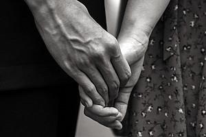 Zwischenmenschliche Beziehungen in all ihren Licht- und Schattenseiten werden auch in der Bibel thematisiert. Irmtraud Fischer hat in einem neuen Buch entsprechende Textstellen interpretiert. Foto: Pexels