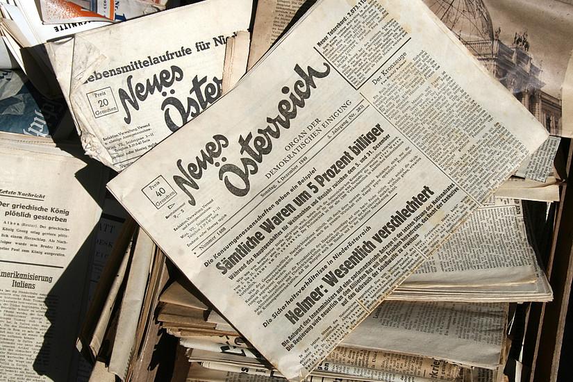 """Am 21. April 1945 wurde die Tageszeitung """"Neues Österreich"""" gegründet, gänzlich unabhängig war sie jedoch nicht - Herausgeber waren die Parteien ÖVP, SPO und KPÖ. Foto: Manfred Werner/Wikimedia Commons CC0."""