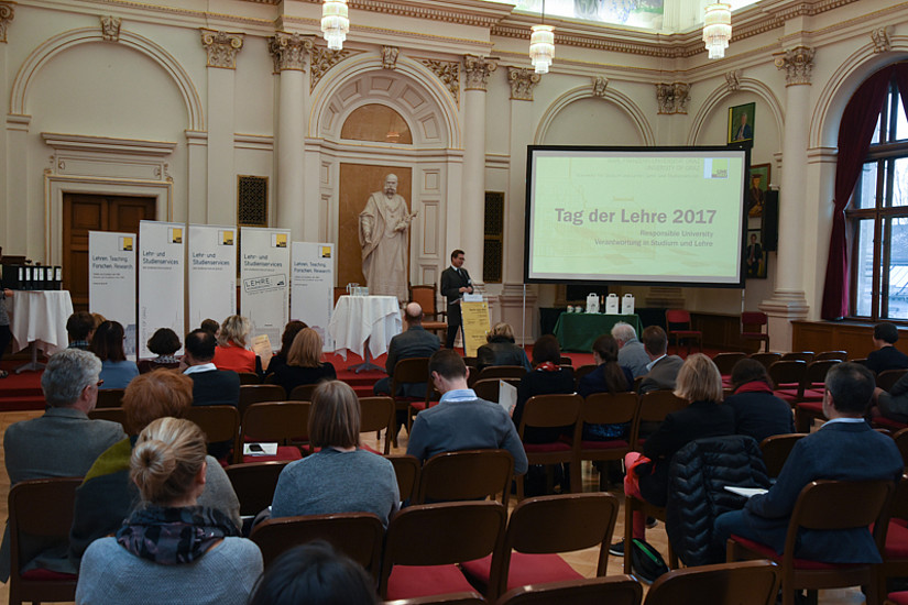 Viele Uni-Graz-Lehrende lauschten den Vorträgen und beteiligten sich an den Workshops.