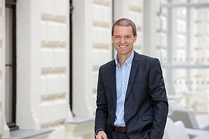 Der neu gewählte FWF-Präsident Christof Gattringer freut sich, seine Ideen und Erfahrungen in den österreichischen Wissenschaftsfonds einzubringen. Foto: Uni Graz/Eisenberger