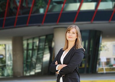 """Mag.a Nicole Gosch, Absolventin des Universitätskurses """"Datenschutzbeauftragte/r"""""""