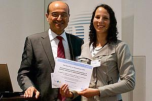 Preisträgerin Verena Leitgeb mit Wolfgang Kautek, Präsident der ESG. Fotos: ESG