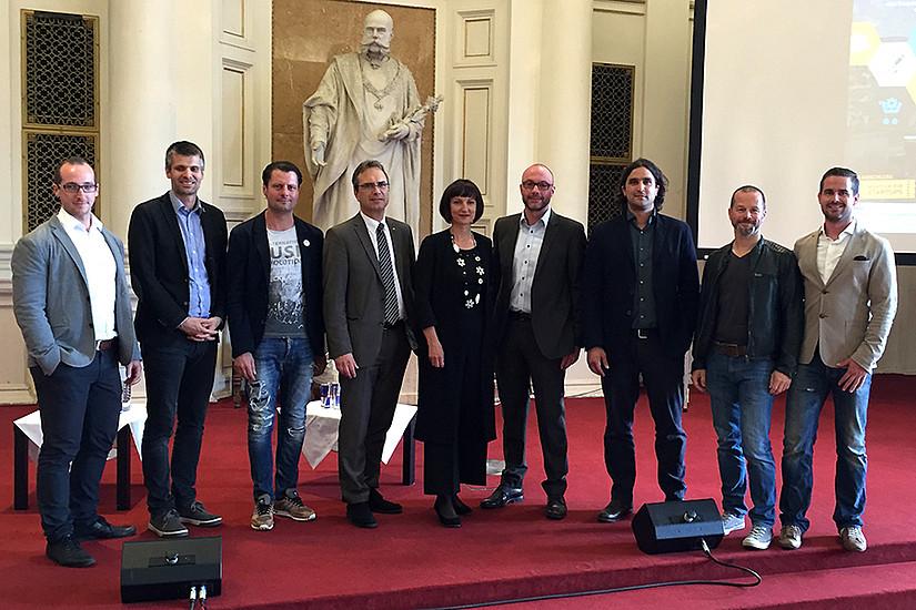 Martin Mader (Uni Graz), Michael Eisler (Startup 300), Alfred Luger (Runtastic), Vizerektor Riedler, Karin Brauneis-Ryan (Brauneis&Partner), Gerold Weiß, Gabriel Grabner (Michael Grabner Media), Bernhard Lehner (Startup 300), Matthias Ruhri (Uni/Up to 11