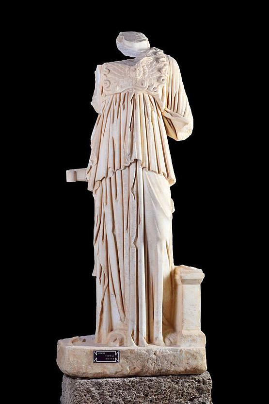 Athena, Museum Side, Inv. 164, Fundort Drei-Becken-Brunnen. © Alice Landskron, Foto: Gordian Landskron