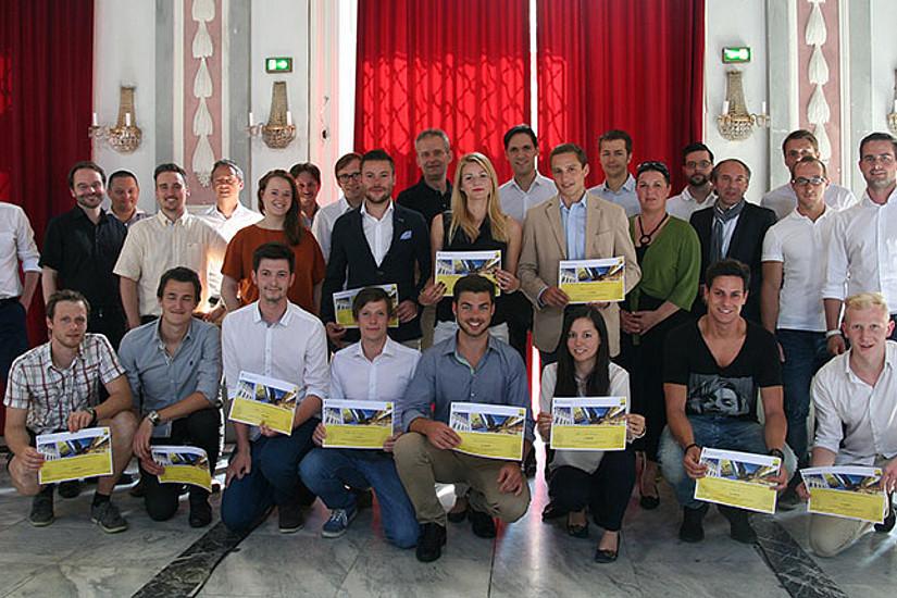 Die Jury-Mitglieder gratulierten den SiegerInnen des Wettbewerbs zu ihren vielversprechenden Geschäftsideen. Fotos: Uni Graz/Kastrun.