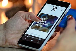 Um die Regelungen für VerbraucherInnen bei Online-Verträgen zu verbessern, sucht die Universität Graz TeilnehmerInnen für eine Studie. Foto: pixabay.com
