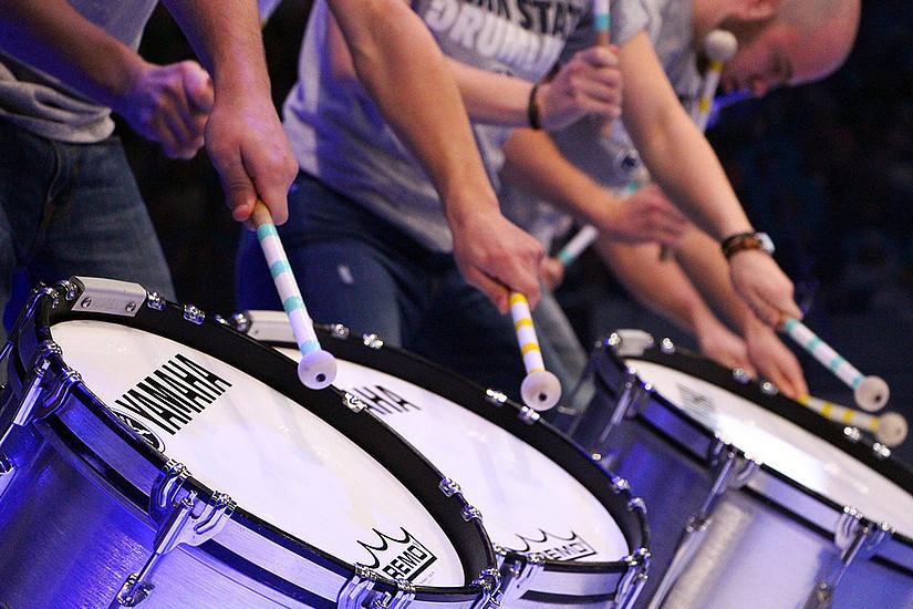 Einem gemeinsamen Rhythmus zu folgen, stärkt den sozialen Zusammenhalt. Das ist das Ergebnis einer Studie der Uni Graz. Foto: Pixabay