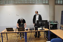 Techniker beim Arbeiten