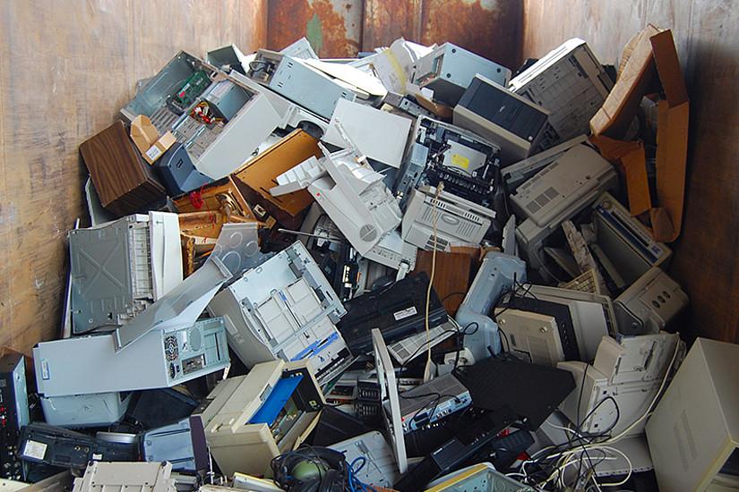Studierende präsentierten auf der Konferenz die Ergebnisse ihrer Recherchen zu den Nachhaltigkeitsauswirkungen elektronischer Geräte, von der Gewinnung der Rohstoffe bis hin zur Entsorgung. Foto: dokumol/pixabay.com