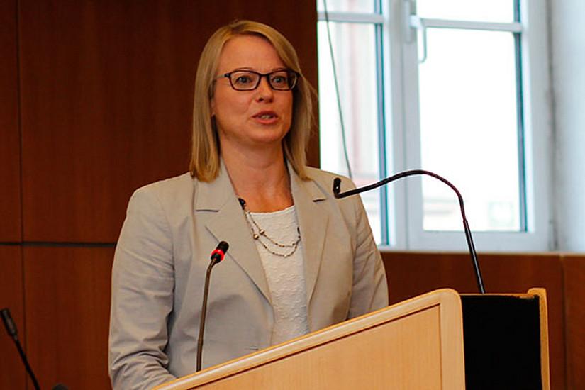 Die Institutsleiterin Hanna Risku