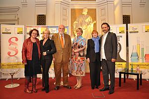 Andrea Penz (7.fakultät / Uni Graz), Dagmar Koller, Peter Kieswetter, Regina Roller-Wirnsberger, Chris Lohner und Gregor Withalm (Moderation) (v. l.)