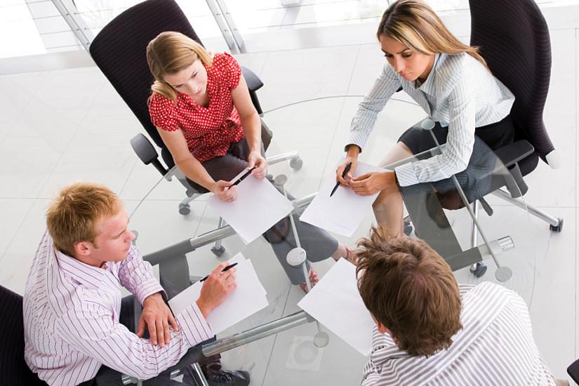 Foto: Der förderliche Umgang mit MitarbeiterInnen ist Kernforschungsthema von Paul Jimenez. Foto: iStock/Monkey Business