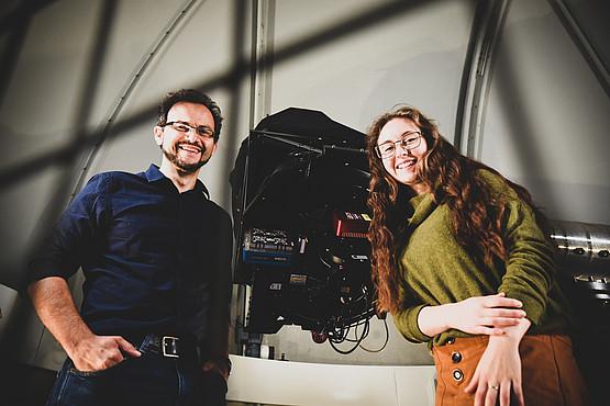 Victoria Kutnohorsky schreibt ihre Bachelorarbeit bei Paul Beck am Institut für Physik. Foto: Uni Graz/Tzivanopoulos
