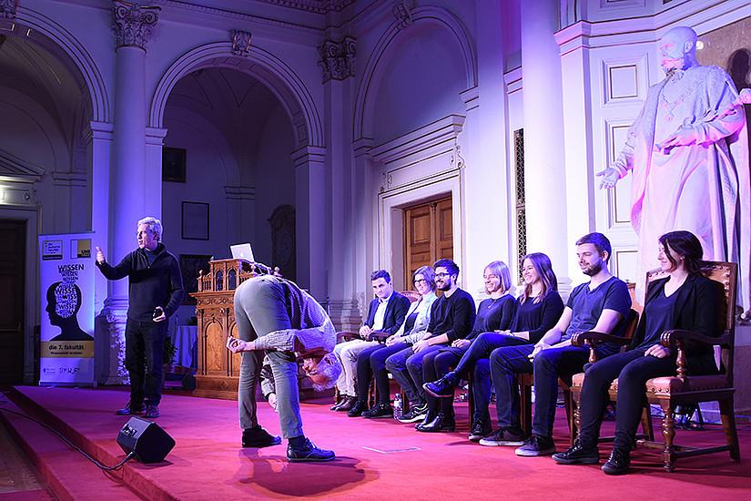 Wenn Wissenschaft Witz hat: Die Ig-Nobelpreis-Show begeisterte die Universität Graz 2017, nun bringen drei weitere PreisträgerInnen das Publikum zum Lachen und Nachdenken. Foto: Uni Graz/Schweiger