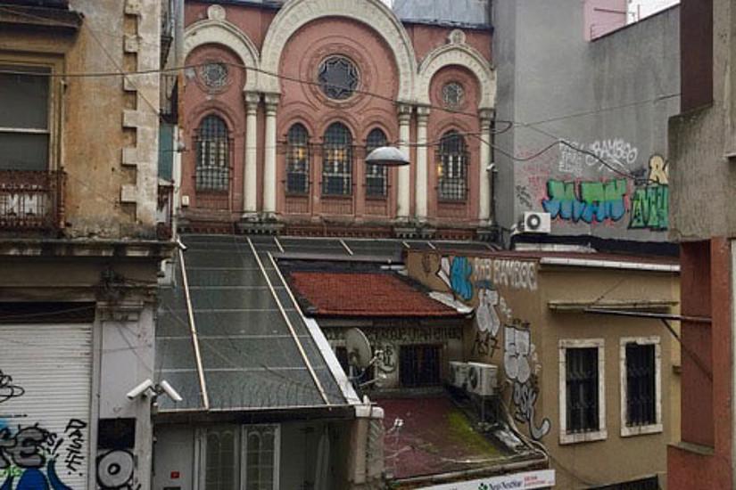 Wiener Juden haben 1909 eine Aschkenasische Synagoge in Istanbul gegründet. Sie ist ein Ort der Begegnung - auch heute noch. Foto: Öktem