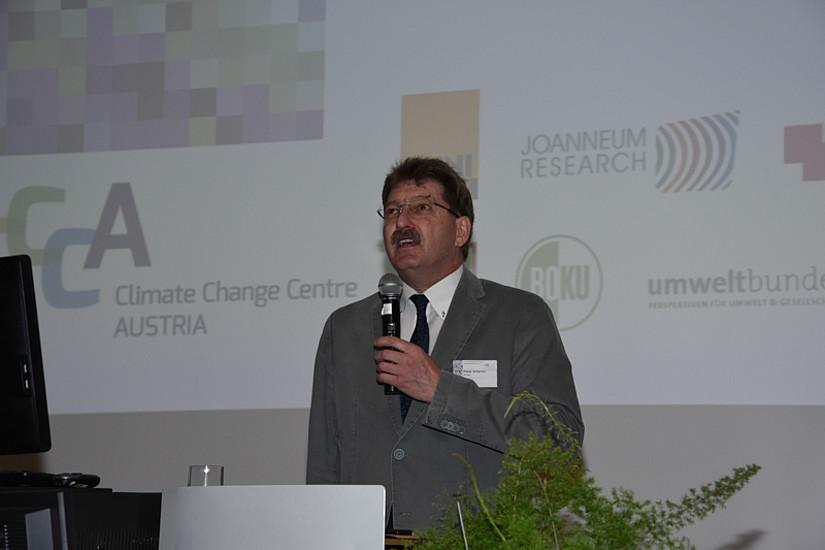 Seitens des Rektorats der Uni Graz begrüßte der Forschungs-Vizerektor Peter Scherrer.