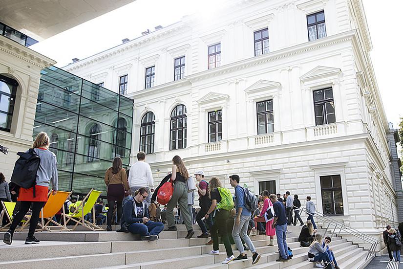 Ein Fest für alle ist die Eröffnung der neuen Bibliothek der Universität Graz. Alle Fotos: Uni Graz/Kanizaj.