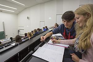 Studierende und Lehrende können ab sofort wieder ihre Favoriten des aktuellen Semesters nominieren. Foto: Uni Graz/Lunghammer