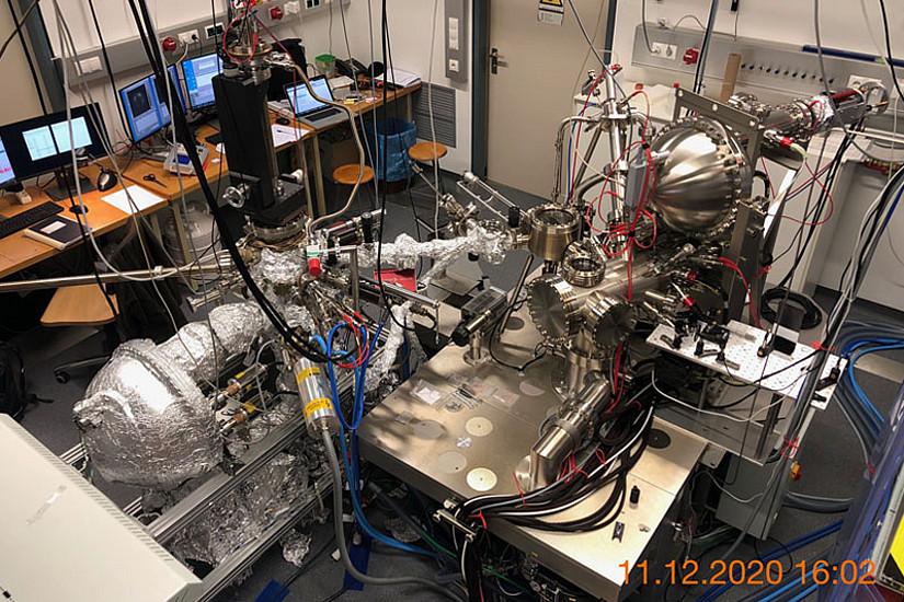 Die NanoESCA Core Facility Graz stellt eine Konzentration hochentwickelter Untersuchungsmethoden dar zur Herstellung und vollständigen Analyse von Nanostrukturen. (Bild: Uni Graz/Boné)