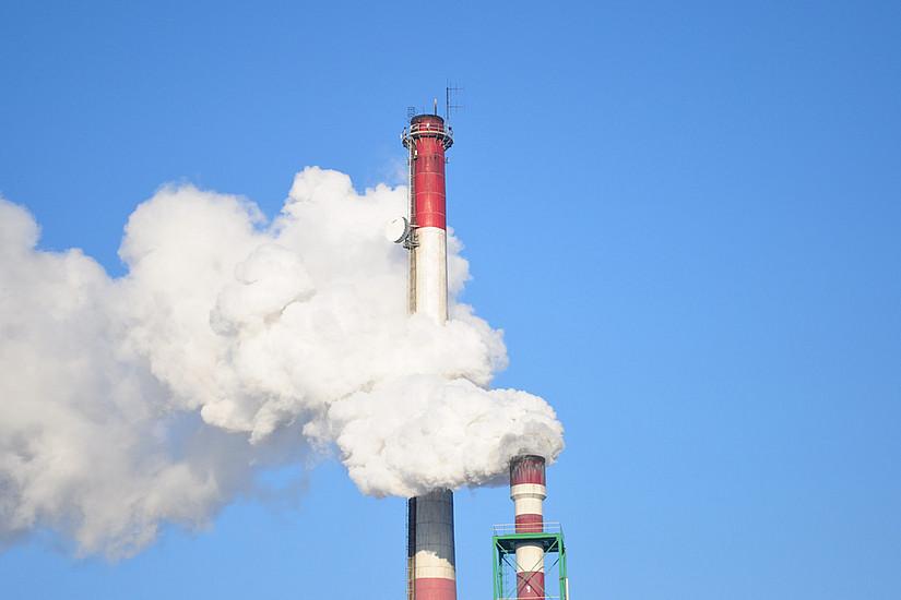 Abgase recyclen: Forscherinnen der Uni Graz haben eine Methode für die Industrie entwickelt, um Kohlendioxid statt Erdöl einzusetzen. Foto: Pixabay