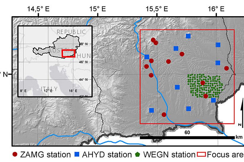 Das Untersuchungsgebiet in Südostösterreich schließt über 150 Stationen des WegenerNet Feldbachregion (grüne Punkte) sowie das umliegende Messnetz von ZAMG und Hydrografischem Dienst (AHYD) ein. Grafik: Schröer et al. GRL 2018