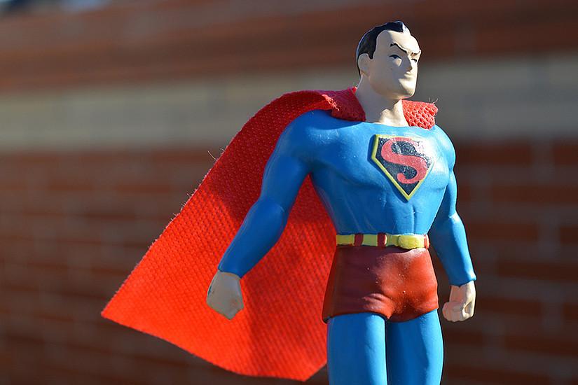 Wenn Superhelden, wie Superman, bis zum Happy-End kämpfen, dann führt auch die Religion Regie. Foto: pixabay.com