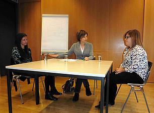 Rollenspiel im Resowi. Michaela Krainer, Michaela Strapatsas, Philothea Pavia - Foto: Ursula Pichler