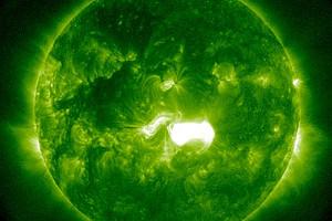 Die Sonne im Extremen UV bei 9.4 nm: Koronaler Massenauswurf, aufgenommen vom NASA Sonnensatelliten SDO am 7. Jänner 2014. Foto: NASA SDO