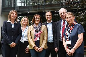 Daniela Unger-Ullmann, Anja Burkert, Sarah Mercer, Peter Riedler, David Little und Leni Dam eröffneten die zweitägige Konferenz. Fotos: Uni Graz/Tzivanopoulos