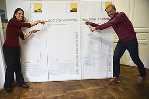 Made possible by Corona: The Doctoral Academy Day 2020 took place online. Vice-Rector for Research and Career Development Christof Gattringer and Gudrun Salmhofer were enthusiastic. Foto: Uni Graz/Leljak