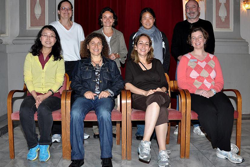 Hintere Reihe stehend von links: Catherine Crisp, Sabine Pendl vom BIB, Wang-yun Chao und John Burgin.