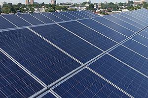 Die Dezentralisierung der Energieversorgung könnte die Erhöhung des Anteils erneuerbarer Energien, etwa aus Photovoltaik, beschleunigen und damit zur Reduktion der Treibhausgas-Emissionen beitragen. Foto: pixabay
