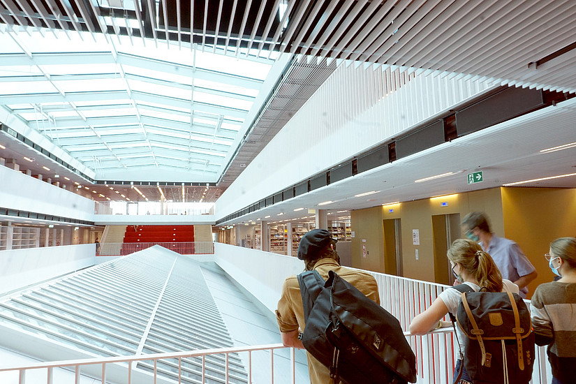 Bibliotheksführung Uni Graz Lehrgangsstart LIS